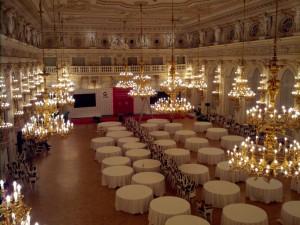 Konference CIF Pražský hrad 2014 - Španělský sál - Žehlení ubrusů