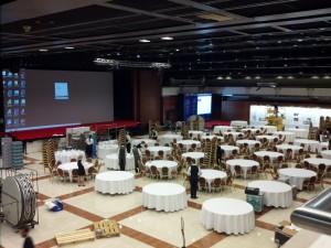 Konference Health Hilton 2015 - Kongresový sál - Prostírání stolů
